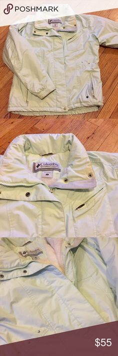 Columbia Performance Jacket Super warm and comfy Columbia snow jacket. Mint Green 💚 Two inside pockets- one zippered, one for goggles. ⭐️Star detailing as seen in photo #3. 📸IG: clare_naupaka Columbia Jackets & Coats Utility Jackets