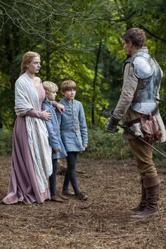 The White Queen - Elizabeth Woodville and king Edward IV with Richard and Thomas Grey Fantasy Inspiration, Story Inspiration, Writing Inspiration, Character Inspiration, Character Ideas, The White Princess, White Queen, Character Group, Wars Of The Roses