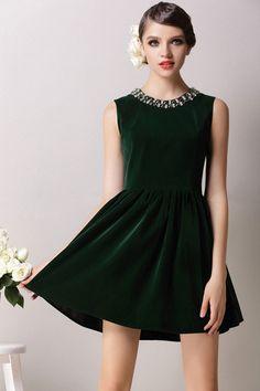 Green Velvet Dress https://apps.facebook.com/yangutu