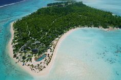 Set on an island owned by The Godfather himself, The Brando brings luxury and sustainability to the Pacific. The private atoll is made up of a cluster of small islets surrounding a central lagoon. The resort is located on the...
