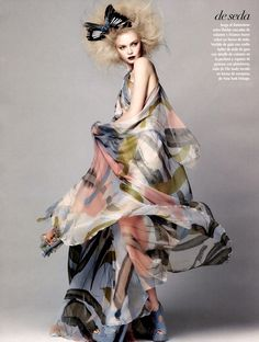 La Gran Magia | Siri Tollerød by David Roemer for Vogue México, March 2011 #butterfly #fashion #Elie_Saab