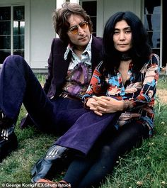 John Lennon and Yoko Ono. I love the expression on his face as he looks at her. Regardless of what anyone else thought of Yoko Ono, she was the sunlight in his life. Les Beatles, John Lennon Beatles, John Lennon Birthday, John Lenon, John Lennon Yoko Ono, The Fab Four, Wife And Girlfriend, Ringo Starr, Paul Mccartney