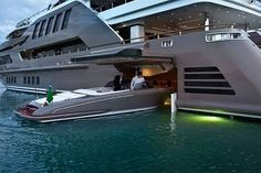 Super Yacht / Jade yacht - Casual Yacht with garage for your boat. No Bigs!