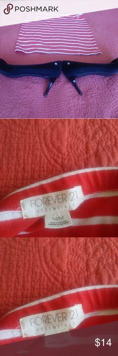 Forever 21 mini skirt $14 SZ m / m+ free gift Forever 21 mini skirt $14 SZ m / m+ free gift any item in this closet price $15 or less Forever 21 Mini Skirts Mini