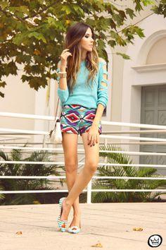 http://fashioncoolture.com.br/2014/03/22/look-du-jour-lovin-you/