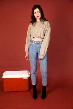 Champion Crop Sweater – magichollow