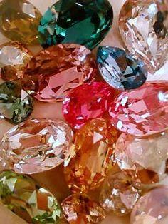 Sparkle: Colorful rhinestones/glass