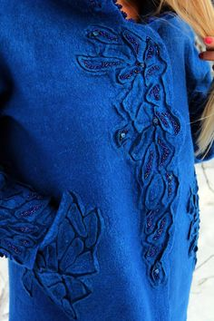 Couture Details, Fashion Details, Diy Fashion, Lace Beadwork, Mode Abaya, Make Do And Mend, Blue Handbags, Sewing Appliques, Running Stitch