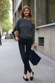 Constance Jablonski: Grey Sweater, Jeans and Loafers Casual outfit Style Désinvolte Chic, Style Me, Looks Chic, Looks Style, Fashion Week, Look Fashion, Grey Fashion, Denim Fashion, Fashion Shoes