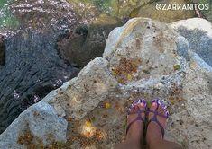 #elpisoquepiso no siempre es creado por el hombre aquí frente al mar no se nota el terror que sentían mis pies de estar tan cerca del vacío #undermywornsoles @zarkanitos #TeamCaracasReflex. .  #ccs #fotografia #socialmedia #rrss #redessociales #fotoparacontenidos #fotografiasocialmedia #fotografiacomercial #fotografiadealimentos #fotografiagastronomica #caracas #caracasreflex #venezuela