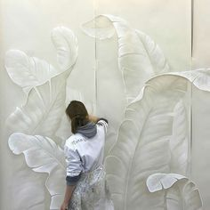 11 Door Decorating Ideas to Create Modern Interior Doors - Salvabrani Leaves mural in white View the Gallery of Elite Artistry by Ellie here - Low / Bas Relief Sculptures to relieve stress & create beautiful art - Classes available in Portland, OR. Art Mural, Mural Painting, Wall Murals, Paintings, Plaster Art, Inside Doors, 3d Wall, Wall Sculptures, Modern Interior