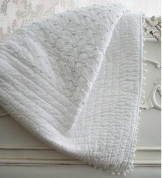 Pom Pom White Blanket Throw from The French Bedroom Company Luxury Bedspreads, White Bedspreads, Quilted Bedspreads, White Throw Blanket, Throw Pillows, Throw Blankets, Country Cottage Bedroom, Small Guest Rooms, White Throws