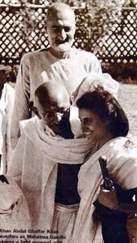 A Rare Old Photograph Of Mahatma,FrontierGandhi & Indira Gandhi.