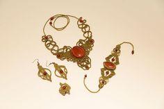 Σετ χειροποιητων κοσμηματων με ημιπολυτιμους λιθους. Handmade macrame jewelry - Heraki.gr