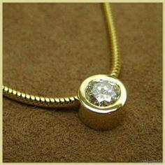 Solitär-Collier in 585er Gelbgold mit 0,21ct Brillant und Schlangenkette