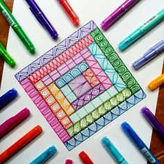No photo description available. Zentangle Drawings, Art Drawings Sketches, Zentangle Patterns, Doodle Patterns, Art Patterns, Doodle Art Drawing, Mandala Drawing, Zen Doodle, Doodle Art