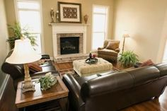 Living Room Design Brown Leather Sofa on How To Accessorize A Brown Leather Couch Ehow Com Living Room Colors, Living Room Paint, New Living Room, Small Living Rooms, Living Room Sofa, Living Room Designs, Apartment Living, Modern Living, Apartment Furniture