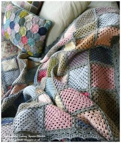 http://hookandbake.blogspot.co.uk/2016/01/contemporary-crochet-granny-square.html