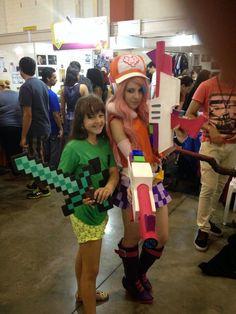 Beatriz Pontes estrela Cineplaneta, participou ontem do mega evento Anime Summer em Santos. - Cine Planeta