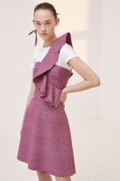 See the complete Dondup Resort 2018 collection.