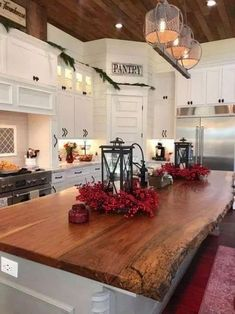 Cute French Country Kitchen Decor Ideas That You Need To Copy Farmhouse Kitchen Island, Kitchen Island Decor, Modern Kitchen Island, Eclectic Kitchen, Modern Farmhouse Kitchens, Kitchen Cupboards, Diy Kitchen, Kitchen Dining, Kitchen Ideas