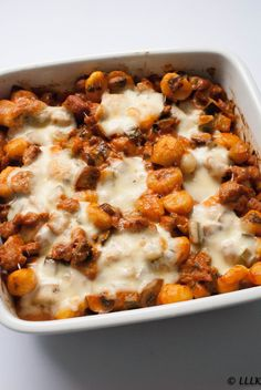 Gnocchi casserole with creamy tomato sauce - Gnocchi casserole with creamy tomato sauce - Veggie Recipes, Lunch Recipes, Pasta Recipes, Vegetarian Recipes, Cooking Recipes, Healthy Recipes, Cooking Ideas, Healthy Food, Vegan Dishes