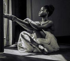 🌸 — michaela deprince photographed by harvey lisse (x) Ballet Poses, Ballet Dancers, Ballet Beautiful, My Black Is Beautiful, Black Girl Art, Black Girl Magic, Black Girls, Black Dancers, Dance Photography Poses
