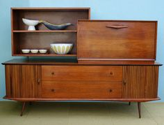 love mid-century modern furniture !