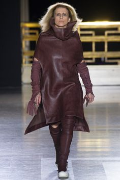 Rick Owens Fall 2014 Ready-to-Wear Collection Photos - Vogue
