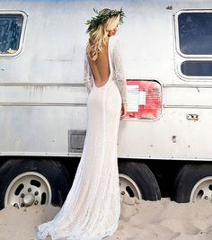 The backless wedding dresses are very impeccable and popular all the time.Such dresses are a good idea for any seasons or weather. Dream Wedding Dresses, Wedding Gowns, Boho Chic Wedding Dress, Open Back Wedding Dress, Wedding Beach, Backless Wedding Dress With Sleeves, Backless Dresses, Wedding Ceremonies, Dresses Dresses