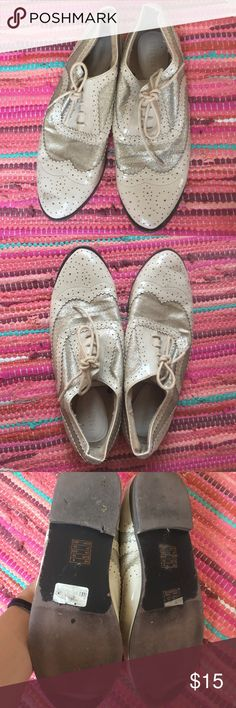 Sparkle White Oxford Shoes A pair of unique white oxford shoes in white with glitter details. Very good condition! Offers are welcome. Forever 21 Shoes
