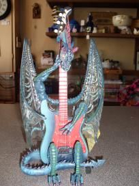 """9"""" Fender Dragon Guitar, Isnt this is just the most awsome guitar?????? Wish I could play...."""