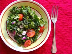 Raw Food Diet Recipes Give Food Flavor Best Kale Salad Recipe, Kale Salad Recipes, Raw Food Recipes, Diet Recipes, Healthy Recipes, Kale Benefits, Healthy Drinks, Healthy Eating, Massaged Kale Salad