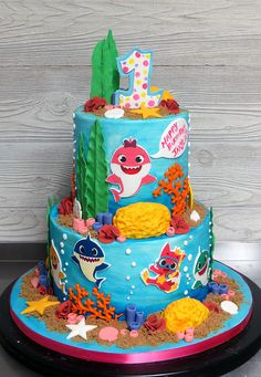 Baby Shark… doo-doo-doo… Baby Shark… doo-doo-doo-doo… here's a cake for all you Baby Shark fans out there! 2nd Birthday Party For Girl, Shark Birthday Cakes, Card Birthday, Birthday Ideas, Birthday Invitations, Birthday Gifts, Fete Vincent, Shark Party Decorations, Shark Cake