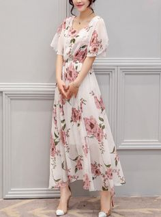 Dresses - - Chic Round Neck Floral Printed Chiffon Maxi Dress Source by joykesya Chiffon Maxi Dress, Maxi Dress With Sleeves, Short Sleeve Dresses, Chiffon Saree, Long Sleeve, Short Beach Dresses, Dress Silhouette, Casual Dresses, Cheap Dresses