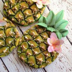 Slika može sadržavati: biljka i hrana Iced Cookies, Cute Cookies, Galletas Decoradas Royal Icing, Pineapple Cookies, Hawaiian Cookies, Beach Dessert, Luau Food, Fondant, Summer Cookies