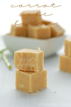 Carrot Cake Fudge | www.wineandglue.com | This fudge is SO easy, and it tastes like carrot cake!