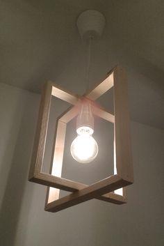 Suspension lumière, en tasseaux de bois