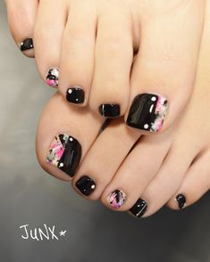 in 2020 Glitter Pedicure Designs, Pedicure Nail Art, Toe Nail Art, Creative Nail Designs, Toe Nail Designs, Creative Nails, Pretty Pedicures, Pretty Nails, Ombre Nail Polish