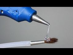 Today In this DIY I want to show you 15 Awesome Hot Glue gun Life Hacks, Way to use hot glue gun for crafting, crazy glue gun hacks that will. Glue Gun Projects, Glue Gun Crafts, Diy Craft Projects, Dremel Projects, Hot Glue Art, Life Hacks Youtube, Diy Glue, Simple Life Hacks, Ballon