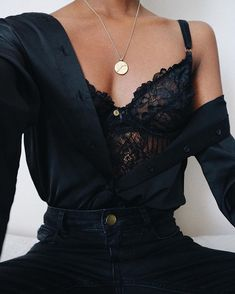 all black outfit button up shirt jeans lace bralette Black Women Fashion, Look Fashion, Fashion Beauty, Winter Fashion, Womens Fashion, Black Aesthetic Fashion, High Fashion, Classy Outfits, Casual Outfits