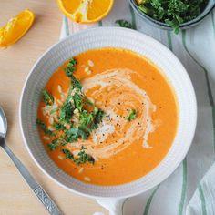 """Kremet tomatsuppe med paprika og appelsin - Enkel """"ta 2 av alt-oppskrift"""" - Sukkerfri Hverdag Tortellini, Pesto, Frisk, Lchf, Thai Red Curry, Chili, Nom Nom, Food And Drink, Dinner"""