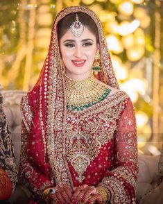 Brides / Dulhan from pakistan and india mostly on their barat day / wedding day leave to her husband's home. On barat wearing red & gold traditionally. Pakistani Bridal Makeup, Pakistani Wedding Outfits, Bridal Outfits, Indian Bridal, Pakistani Dresses, Pakistan Bride, Bridal Makeover, Bridal Makeup Looks, Bride Makeup