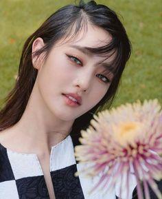 Kpop Girl Groups, Korean Girl Groups, Kpop Girls, Extended Play, Kim Min Hee, Soyeon, Cube Entertainment, South Korean Girls, Asian Girl