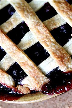 End of Summer Blueberry Pie. #pie I need to make this now~