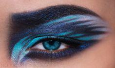 Bria J. creates a mesmerizing blue eye makeup look!