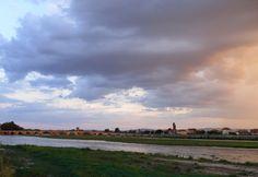 Maritza River and the Old Bridge at sunset, Svilengrad, Bulgaria. Río Maritza y el puente antiguo a la puesta del sol. Maritza-Fluss und die Alte Brücke bei Sonnenuntergang. Realwobbler