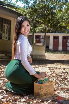 Pretty Asian, Beautiful Asian Women, Belle Nana, Burmese Girls, Myanmar Women, Asian Model Girl, Cute Asian Girls, Asian Woman, Asian Beauty