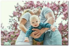69 super Ideas photography poses for kids studio family pictures Family Photos With Baby, Fall Family Pictures, Family Picture Poses, Family Photo Sessions, Baby Family, Family Posing, Family Pics, Family Photoshoot Ideas, 6 Month Baby Picture Ideas Boy