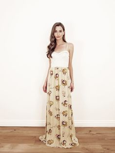 paper crown. i could live in maxi dresses. literally. love the print and sweetheart neckline.